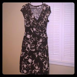 Jones & New York Size 14 Stretch Material Dress